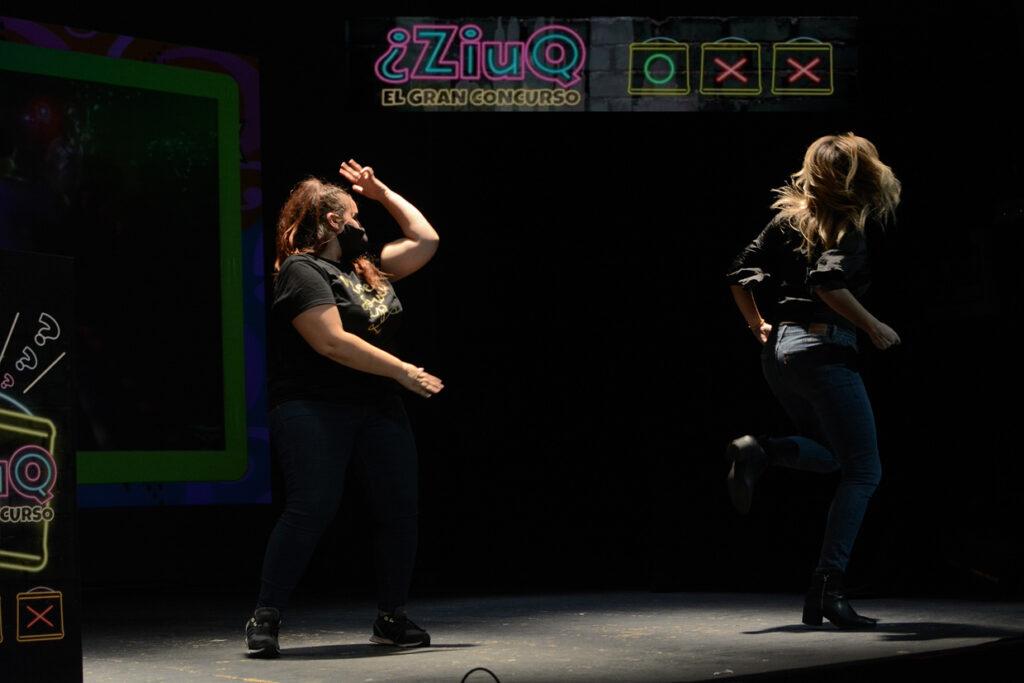 Bailando en ZIUQ concurso por equipos juego amigos teatros (7)